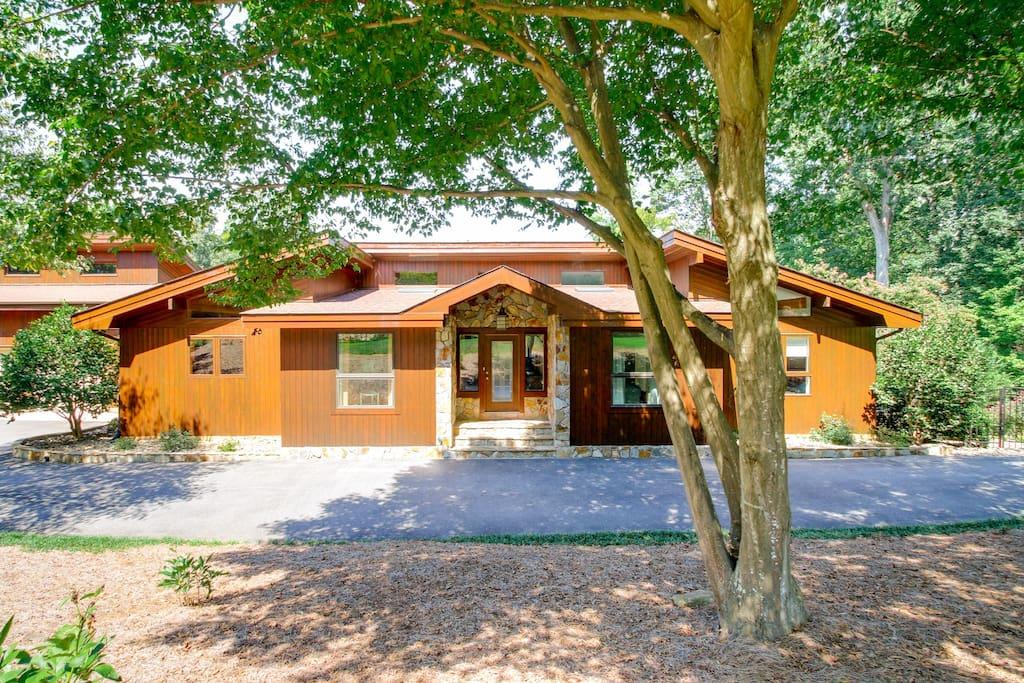 Modern custom cedar home with lakefront charm