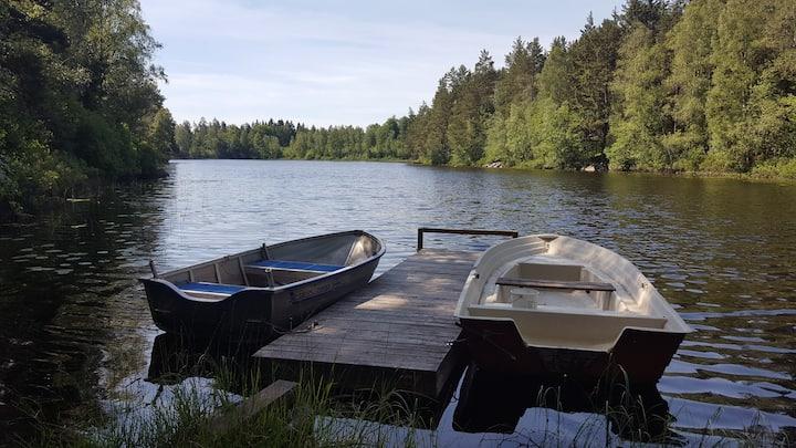 Stuga - ca 100 m till sjön