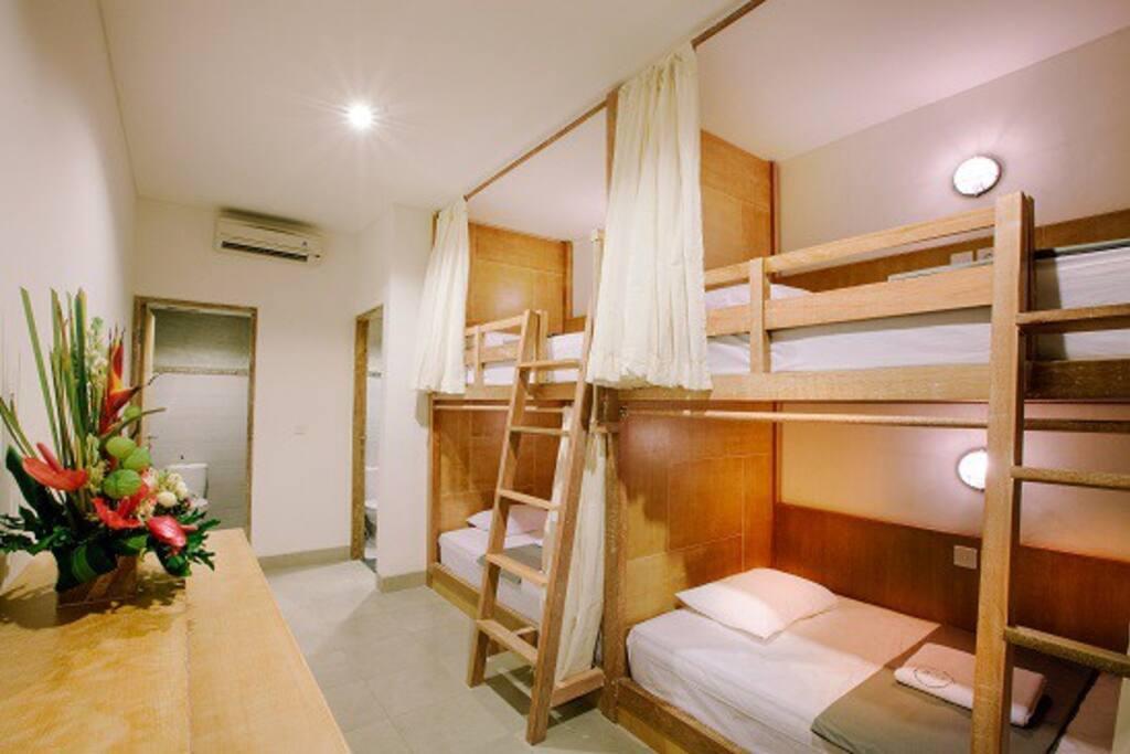 DORM - Mixed - 4 Beds