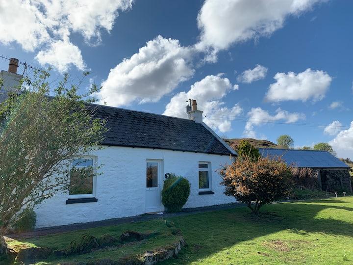 Heatherland Cottage - Traditional Croft House