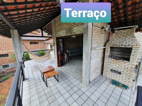 Casa de Alto Padrão em Condomínio Fechado.