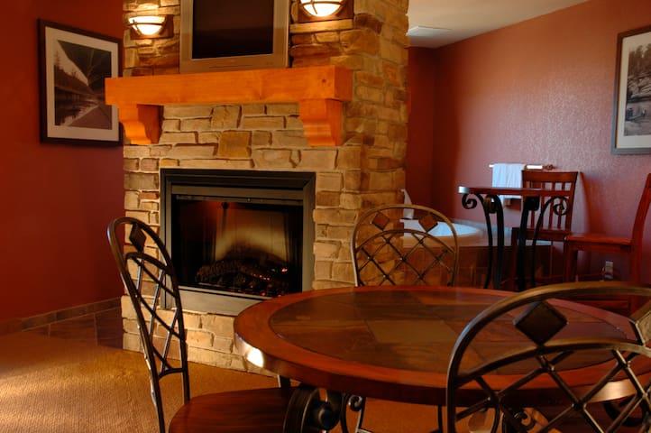 Chula Vista Resort - Studio Condo - WisconsinDells