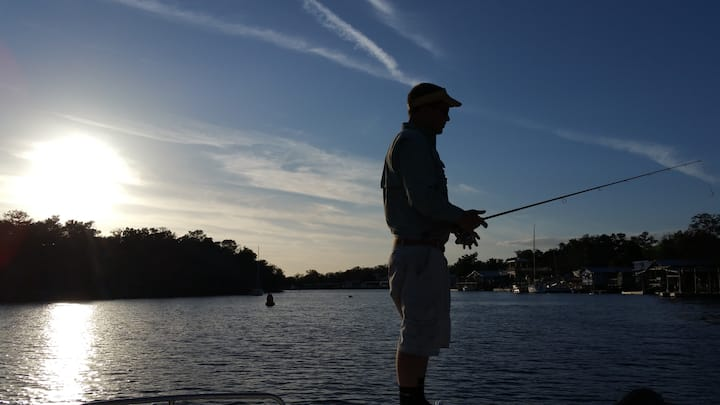 Convenient Location for Fishing & Scalloping!
