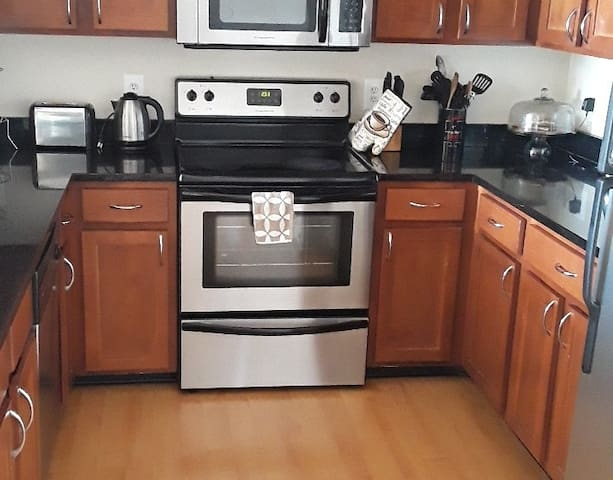 Upscale apartment in the heart of laurel