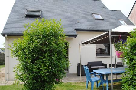maison proche centre ville, lac et club nautique - Ploërmel