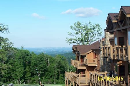 Mountaintop getaway!  The perfect weekend of FUN - Seven Springs