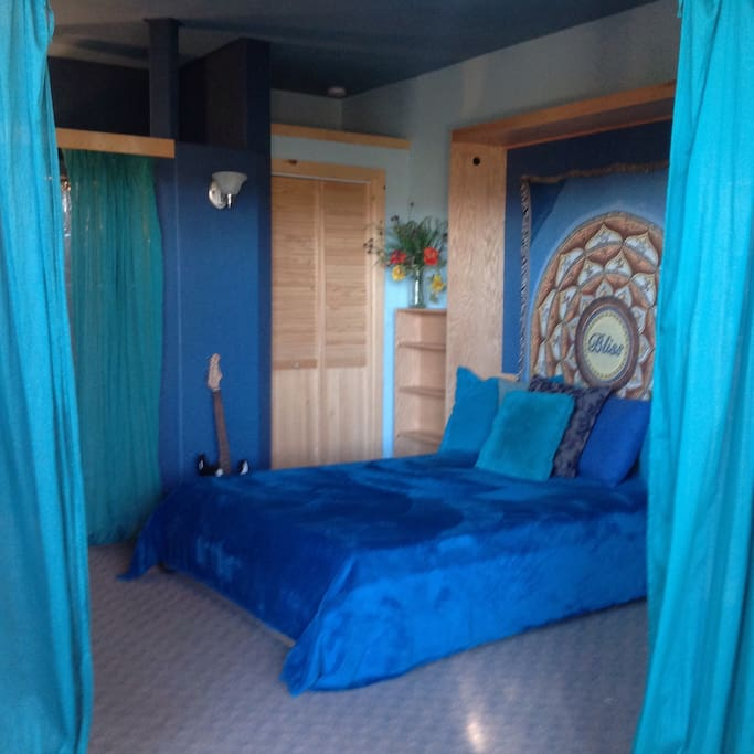 Bliss Bedroom with Tempurpedic matress for a deliciously healing night