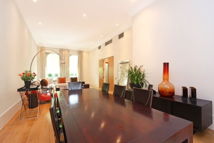Living room with Dining area