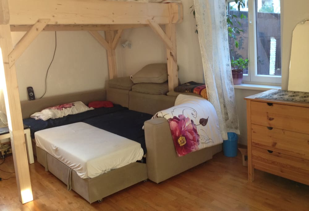 Sleeping area: A comfy couch and big bunk bed (with a ladder, of course ;-) )