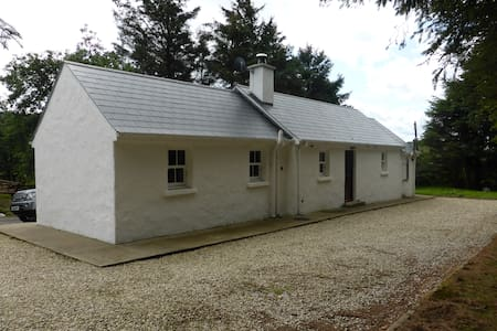 Self catering Irish country cottage - Kerrykeel