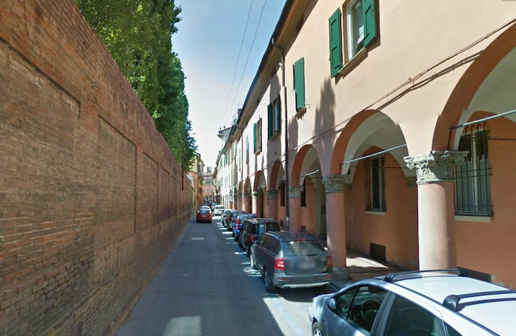 This is the street where you will be living. It is in the historical center of Bologna. Safe and green residential area, not noisy.