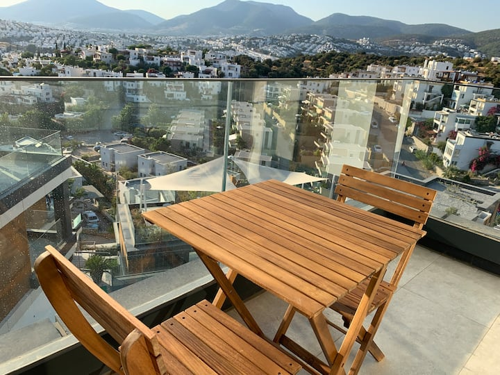 Bodrum City Apartment with Pool& Private Entrance