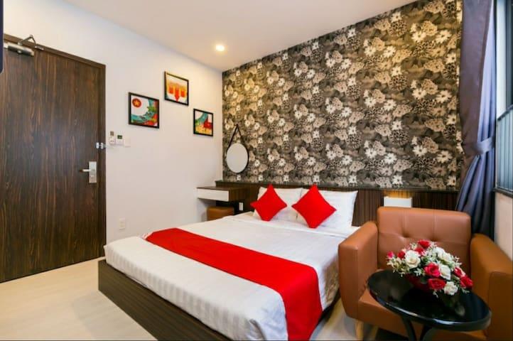 Kha Thy Hotel-Standard room 1 with window ( 17m2)