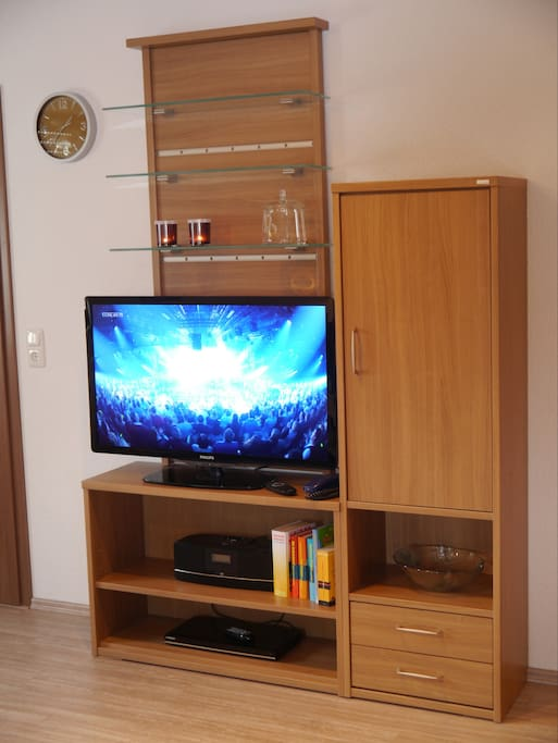 Flatscreen, DVD, CD, WLAN
