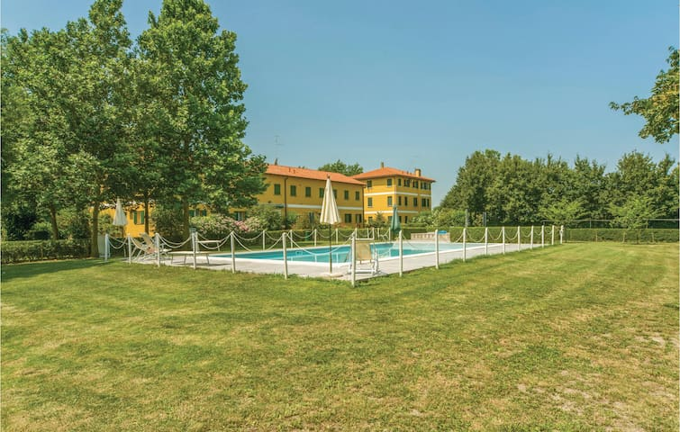 Holiday apartment with 2 bedrooms on 70 m² in Marango di Caorle VE