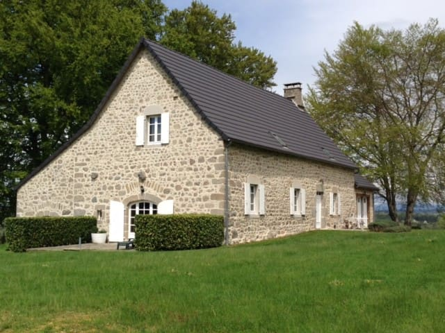 Les Vialles - Saint-Julien-prés-Bort - Casa