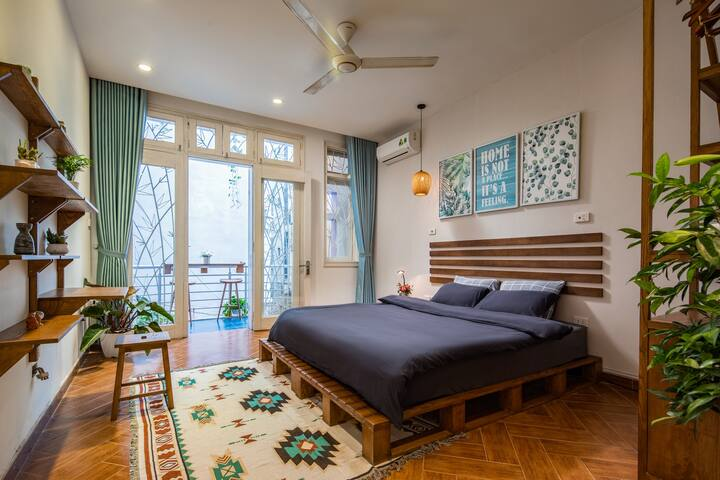 Lala Home Hanoi★Deluxe~Balcony~Peaceful-Westlake