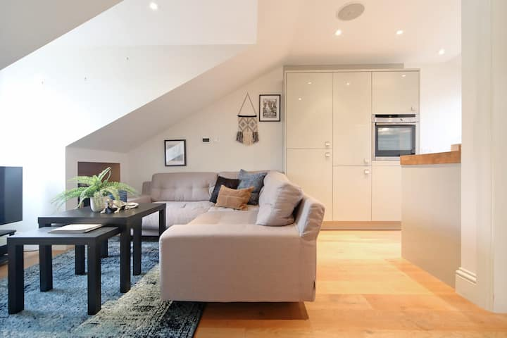 Westbourne Grove-One Bed-Stylish Flat