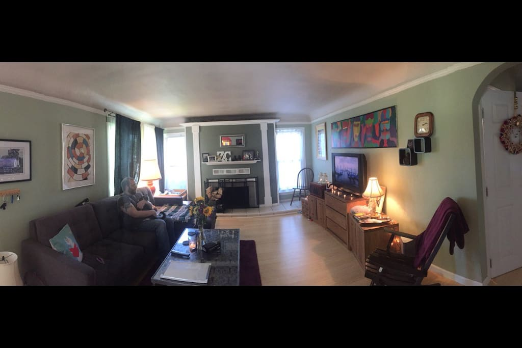 Living room with boyfriend and cat!