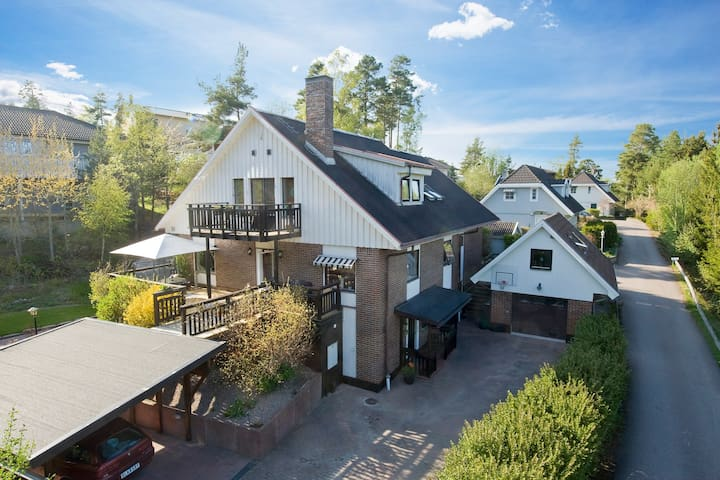 Comfortable house for 6-8 people - Täby - Huis
