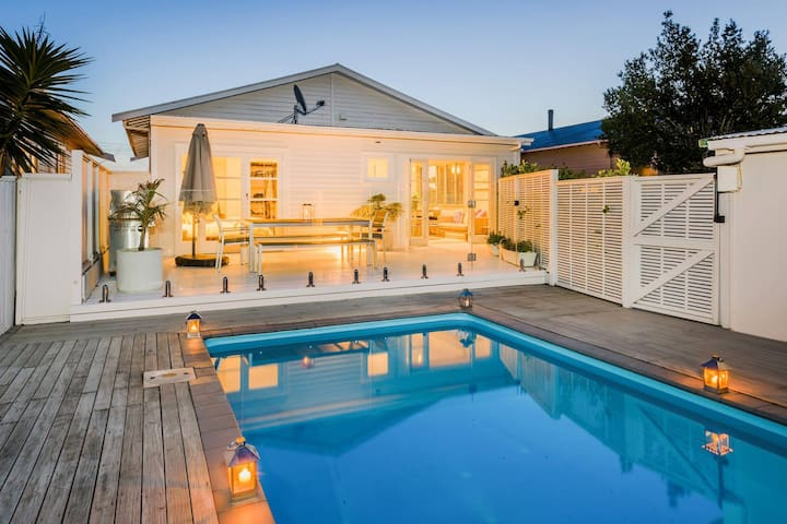 Beautiful Bungalow with a POOL! - Auckland - Dom