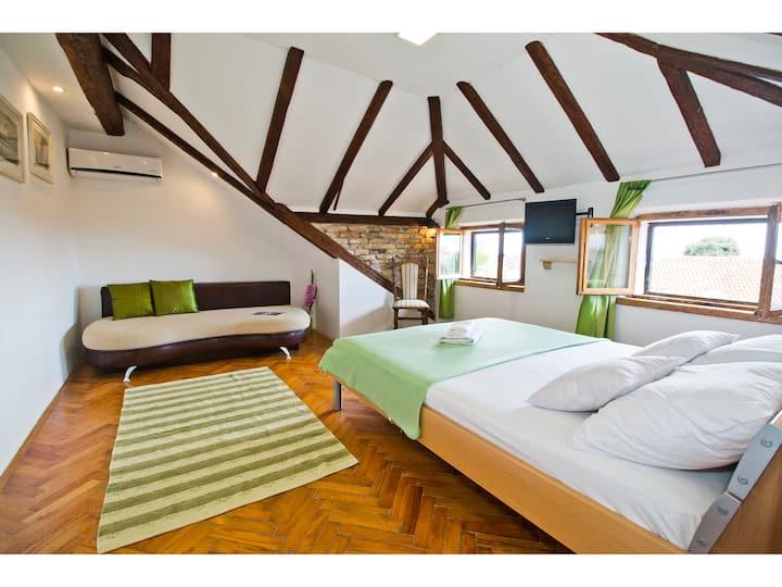 Romantic green loft studio 2+1