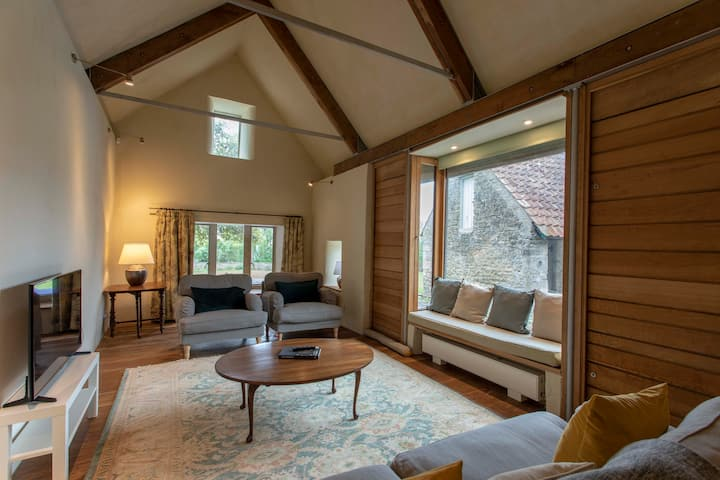The Malthouse – up to 14 ppl (or 6 bubble) nr Bath
