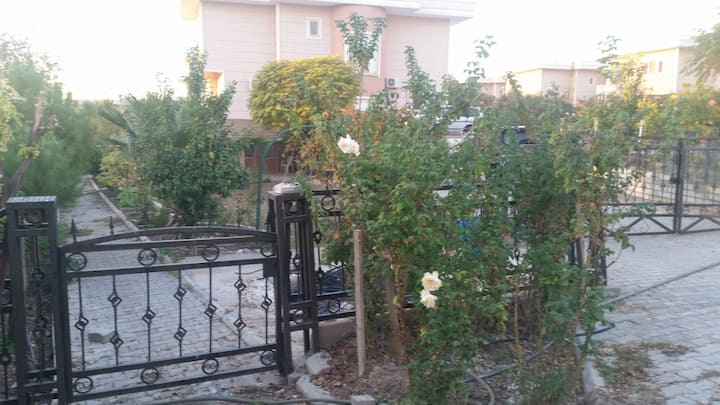 Quiet apartment with garden included (Befrin City)