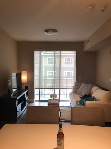 Beautiful one bedroom apartment by Cherry Creek!