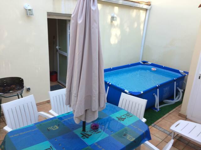 Habitacion para 3 en casita chalet - Madrid - Huis