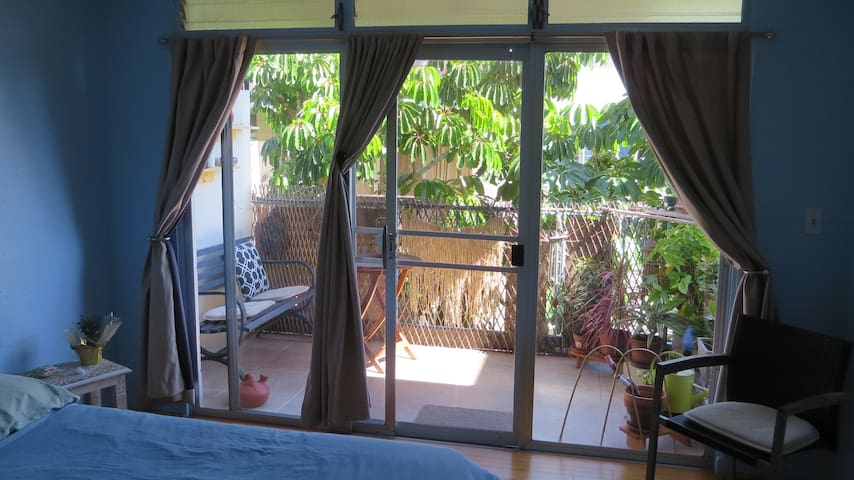 Cozy and Quiet Apt/ View of DIAMOND HEAD/Parking