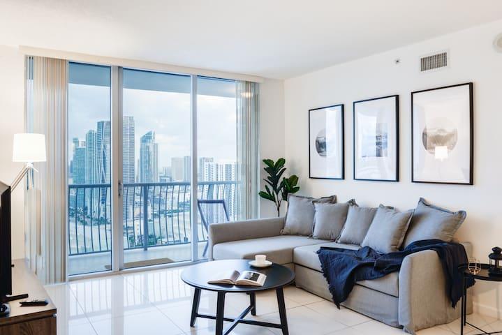 ***Exclusive deluxe Apartment in Miami***