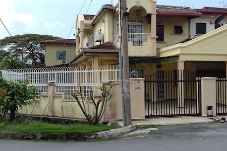 * PROMO * Taman Bayu Perdana , Klang (Corner)