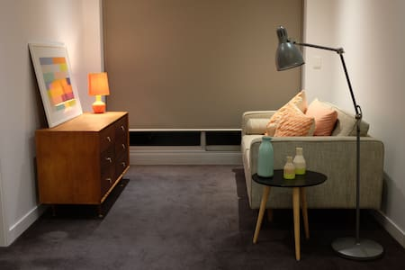Great location, clean and modern - Preston - Apartment