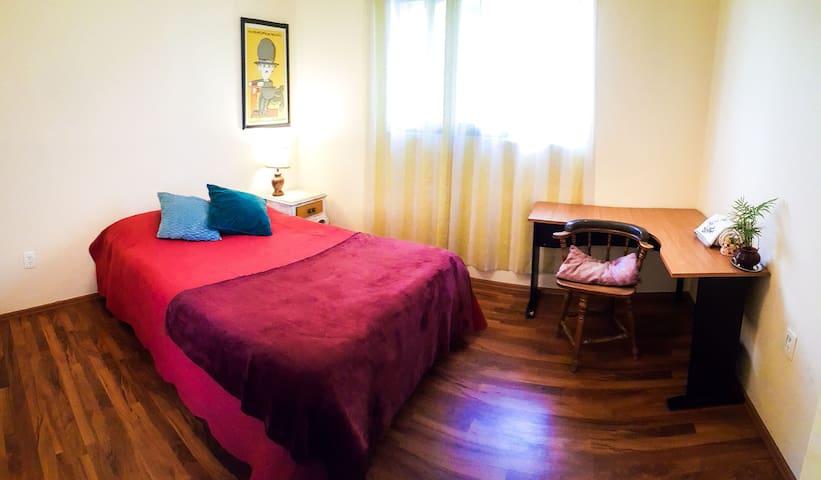 Frida's Neighbor, cozy room