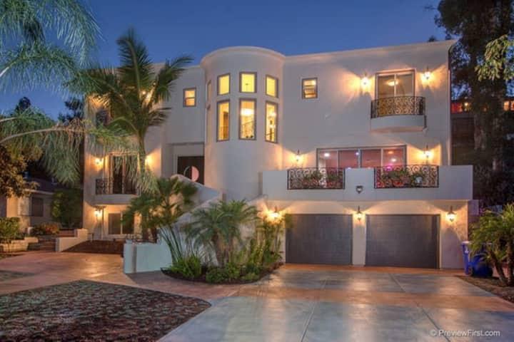Luxurious 4200 Sq Ft 6 Bedroom Mediterannean Villa