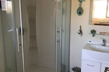 Quality modern shower with gas hot water.