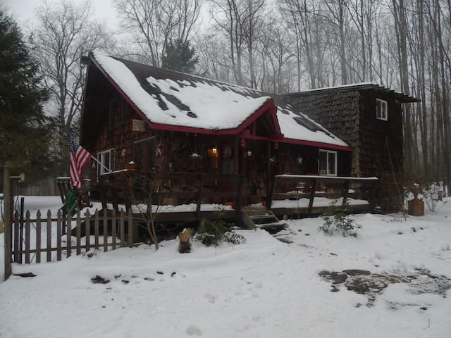 Definitely winter here! Come enjoy the winter scape, spend a day on the slopes, or check out the many breweries and distilleries.Then come home and sit in front of the cozy wood stove and relax with a movie or board game. Something for everyone!