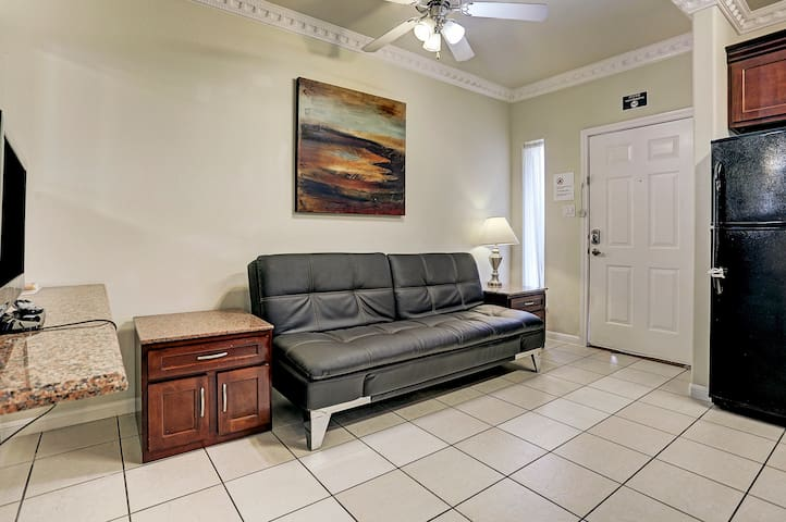 2 bedroom ,lots of gated parking 77036