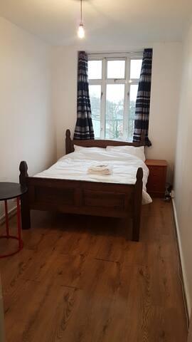 HLSA Shacklewell Double room