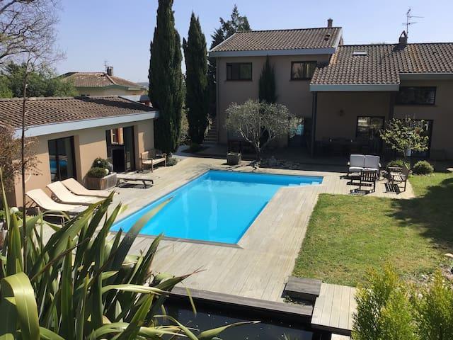 PIBRAC: Chambre dans villa avec piscine N° 1