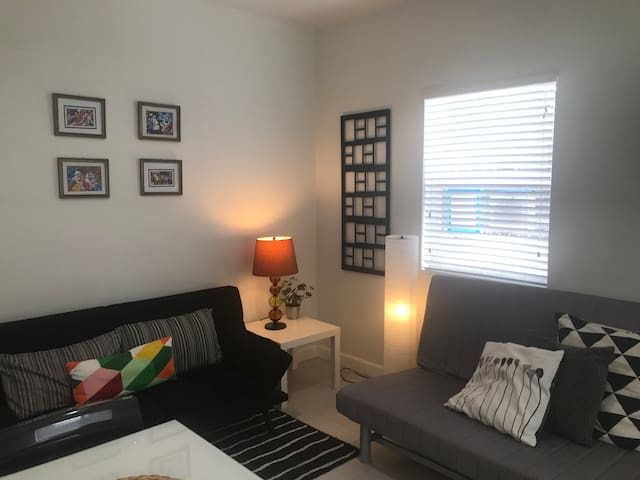 Comfortable & well located  Studio Downtown  (1)