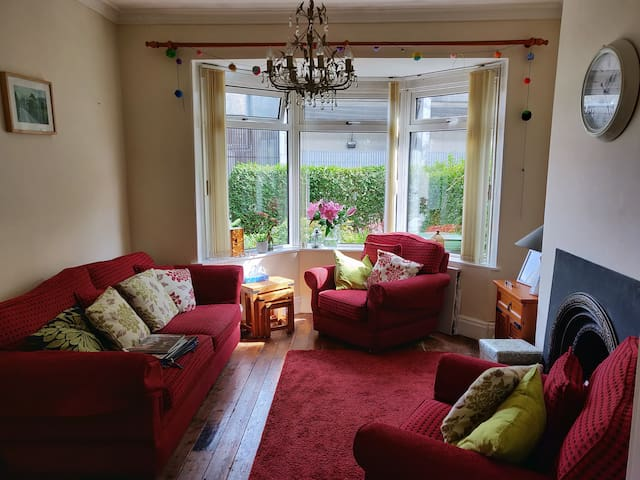 Louise's cosy home near town centre