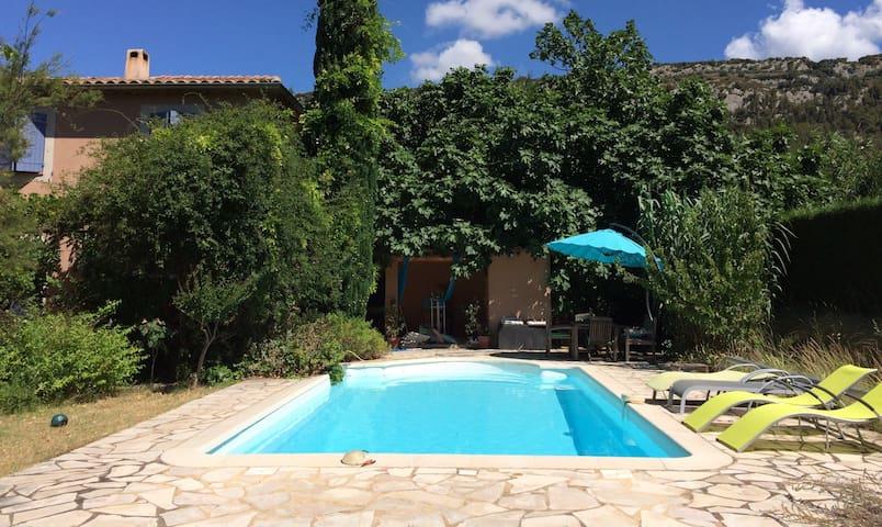 Chambre indép. dans villa & piscine - Beaumes-de-Venise - Villa