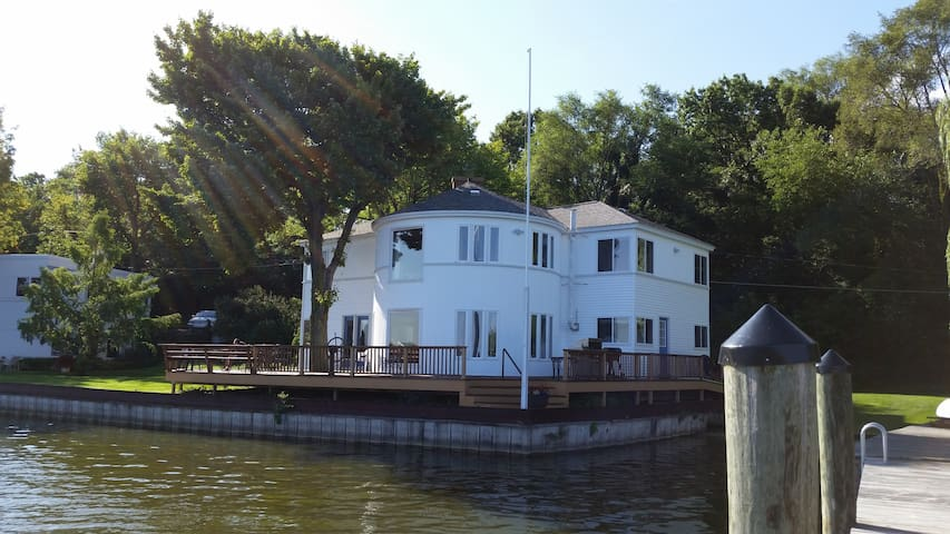 7BR Cottage on Spring Lake - Bring a Boat - Spring Lake - Дом