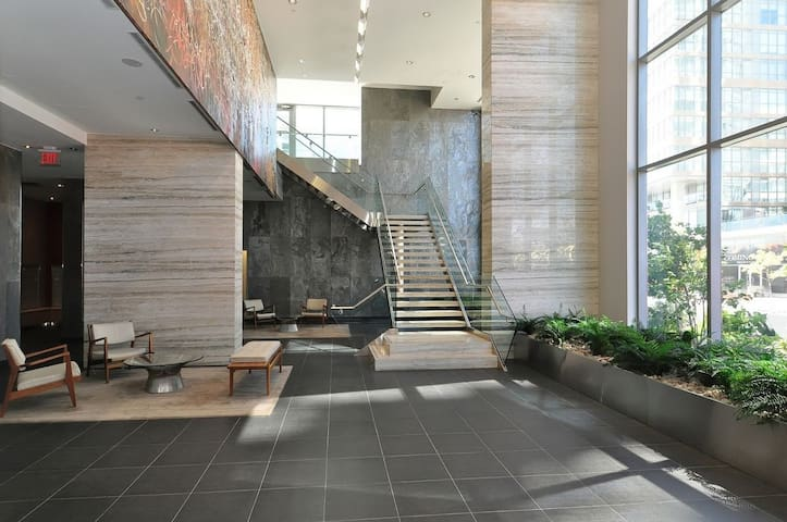 Luxurious Condo near CN Tower - Toronto - Appartement en résidence