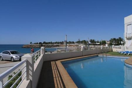 Apartment on 1 line of see cost with pool and WIFI - Apartment