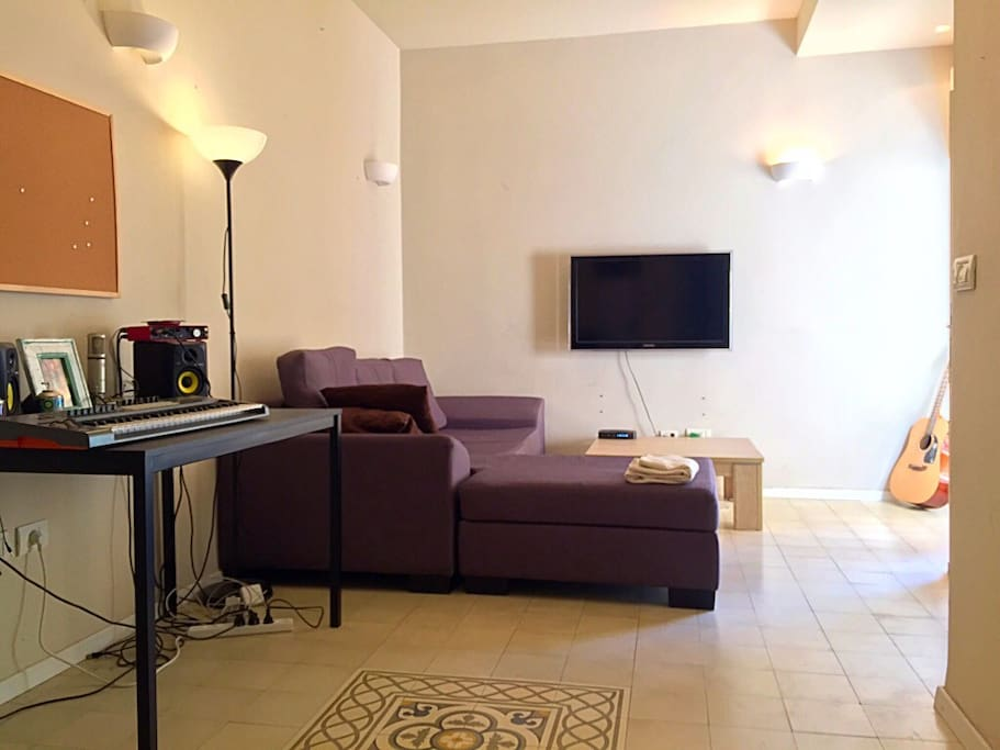 Spacious and Bright reception room/tv lounge with large balcony