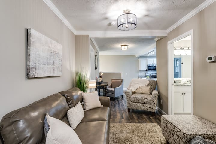 Brand new 2 BR/1 BA or 4BR/2BA upstairs apartment