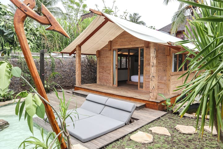 Luxurious one-bedroom tent with private pool